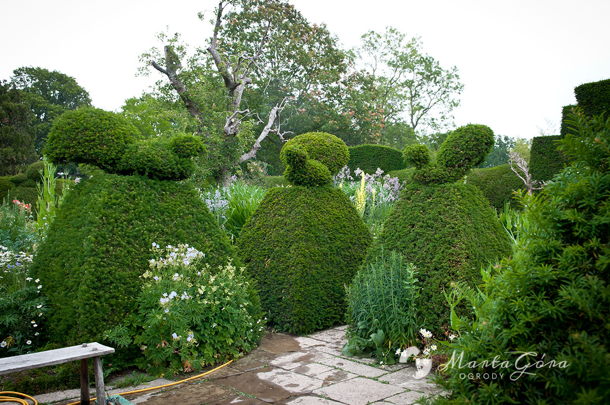 Great Dixter - topiary